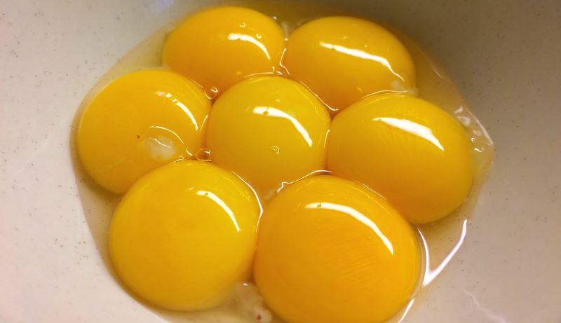 egg-yolks-chplesterol