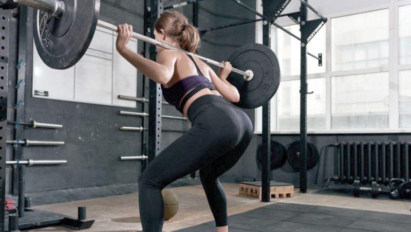 woman-squats