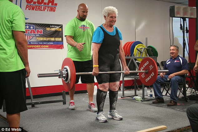the-amazing-78-year-old-gym-junkie-grandma-who-can-deadlift-245-pounds-1