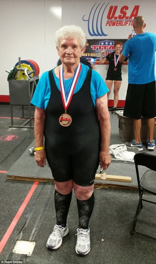the-amazing-78-year-old-gym-junkie-grandma-who-can-deadlift-245-pounds-2
