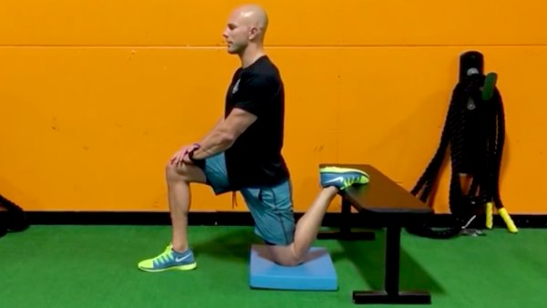 dynamic-hip-flexor-stretch