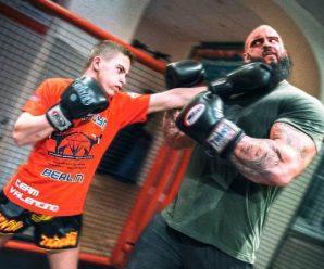 thai-boxer-vs-bodybuilder