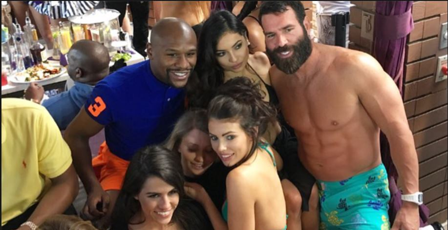 dan-bilzerian-party
