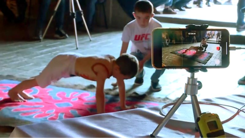 six year old does 4000 pushups